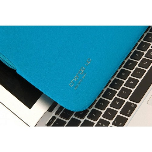 TUCANO Charge Up Second Skin [BFCUPMB13-B] - Blue (Merchant) - Notebook Sleeve